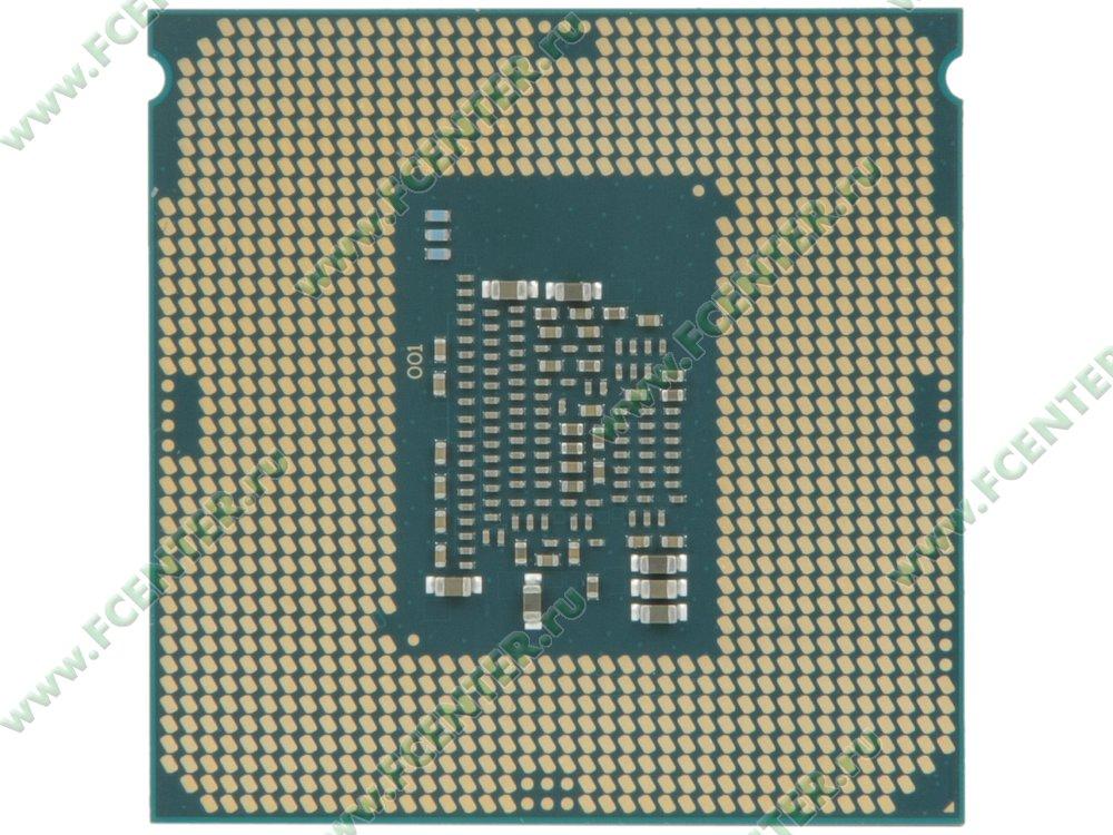 """Процессор Intel """"Core i3-7100"""" Socket1151. Вид снизу."""