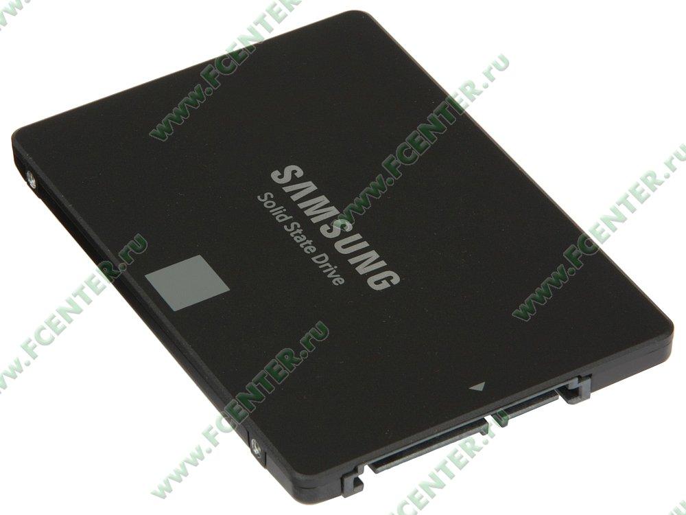 "SSD диск 250ГБ 2.5"" Samsung ""860 EVO"" (SATA III). Вид спереди."