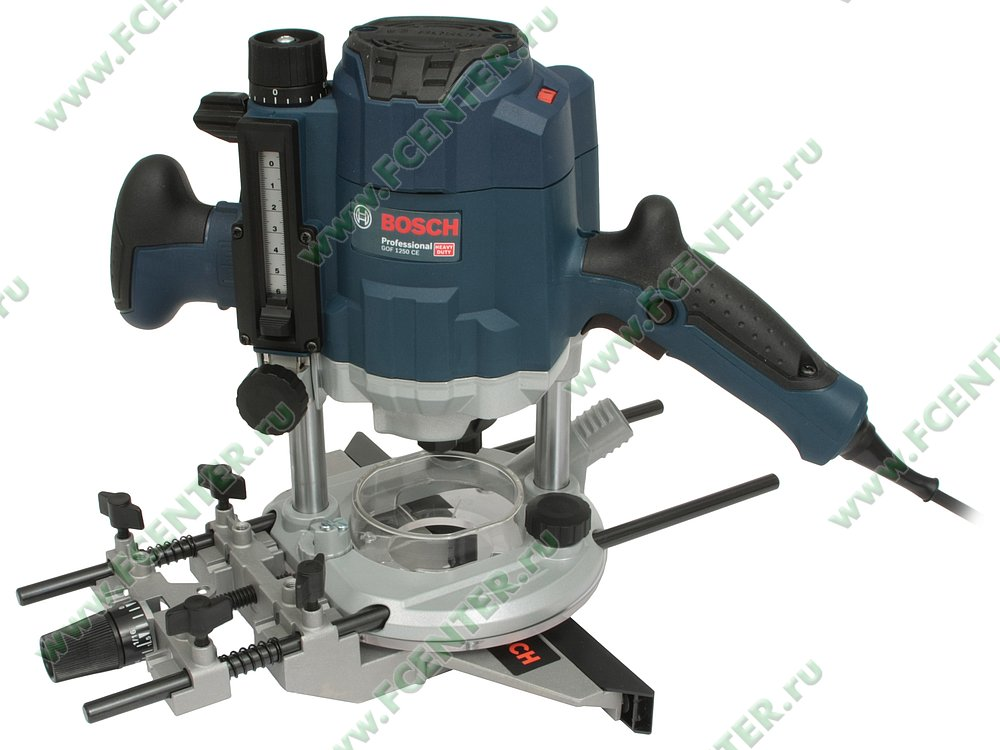 "Фрезерная машина Bosch ""GOF 1250 CE Professional"". Вид спереди."