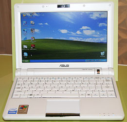 ASUS Eee PC 900. Фото с официальной презентации.
