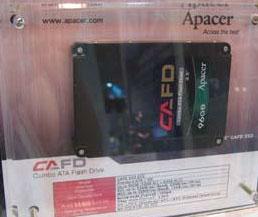 96-ГБ комбо-SSD Apacer