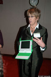 Бывший главный технолог OLPC Мэри Лу Джепсен (фото CNet)