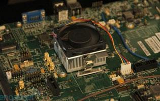 Открытый стенд с процессором AMD Zacate