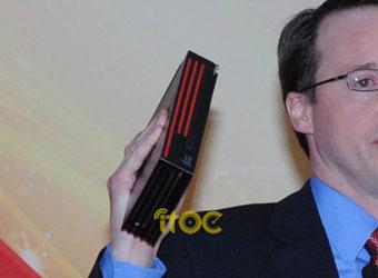 Рик Бергман показывает Radeon HD 6990(?)