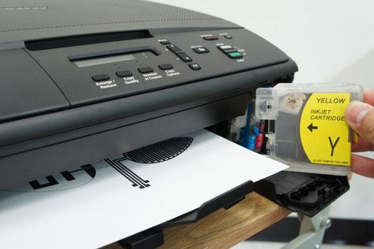 Обычный принтер тоже может печатать готовые монтажные платы