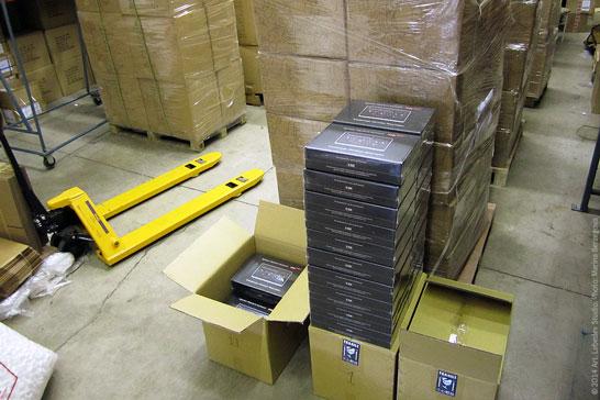 Единственная в мире российская студия, у которой есть склад с коробками Optimus Popularis