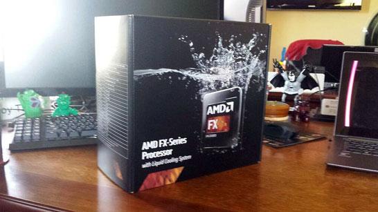 Фотография коробки неизвестного пока настольного процессора AMD