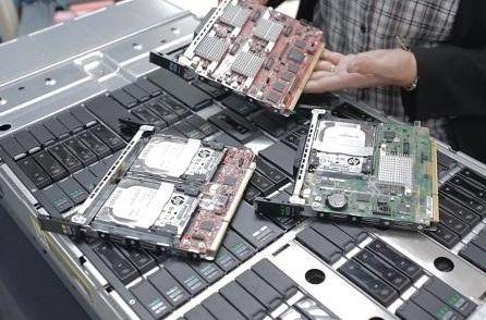 Шасси HP Moonshot  высотой 4.3U и его новые обитатели — картриджи с процессорами на архитектуре ARM