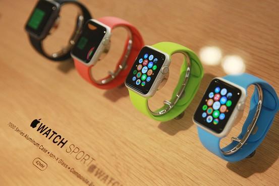 «Умные» часы Apple Watch Sport