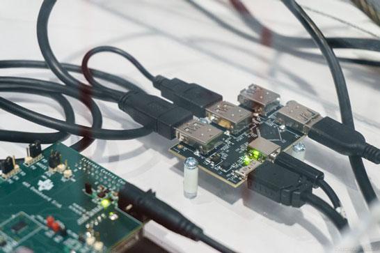 Стендовая демонстрация передачи данных с источника на приёмник DisplayPort по кабелю с разъёмами USB Type-C