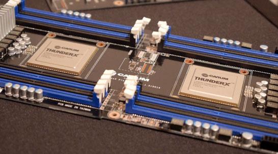 Двухпроцессорная плата Cavium с SoC ThunderX