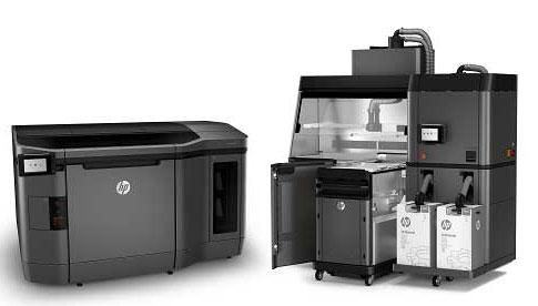 3D принтеры HP Jet Fusion 3D 3200 Printer (слева) и HP Jet Fusion 3D 4200 Printer в составе специальной станции для быстрого охлаждения (HP Jet Fusion 3D Processing Station)