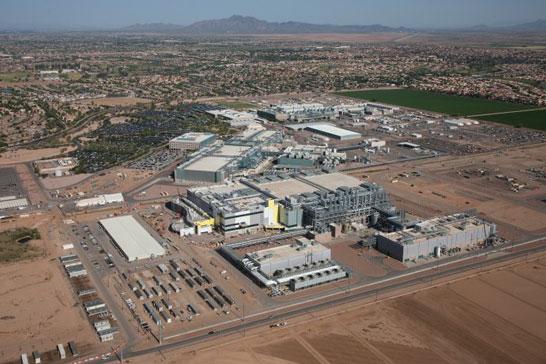 Территория замороженного строительства завода Fab 42 компании Intel в Аризоне