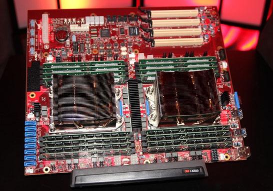 Двухпроцессорная серверная плата с парой 32-ядерных процессоров AMD Naples
