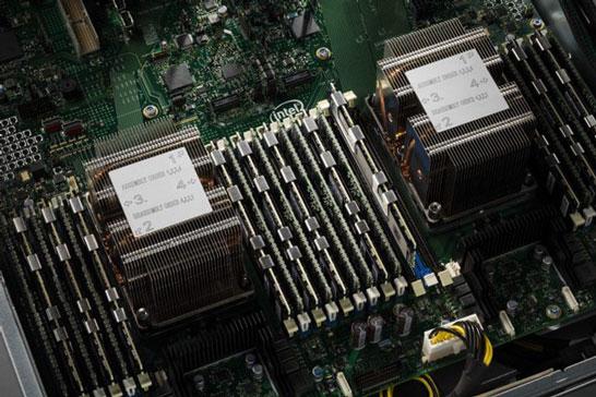 Память DIMM 3D XPoint в составе севера (на материнской плате)