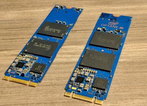 Слева на фотографии SSD Intel Optane Memory, а справа SSD Intel 800P