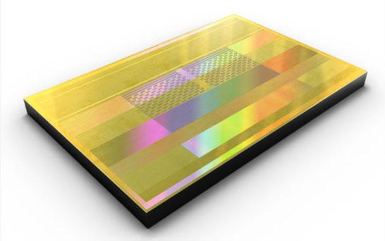 Микросхема памяти Samsung HBM2 второго поколения